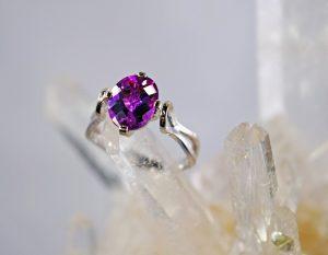 Alexandrite oval 14K white gold ring