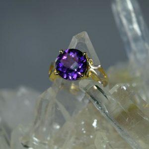 Amethyst 10mm round 14K gold ring
