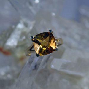 Citrine 10mm square 14K gold ring