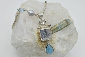 Dendritic quartz and aquamarine necklace