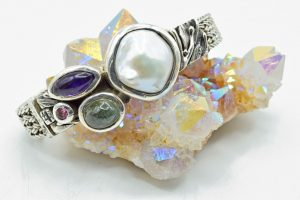 Freshwater pearl with multistones bracelet
