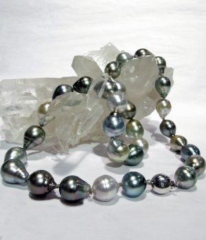 Tahitian pearls with 14K white gold necklace