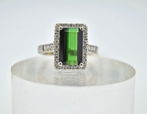 Green tourmaline and diamond rectangle ring