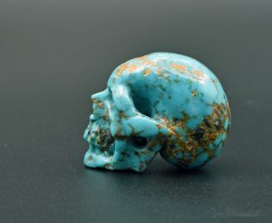 Turquoise skull carving